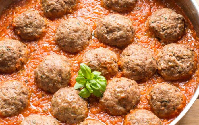 classic meatballs in tomato sauce